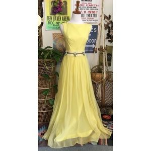 Vintage 70's pastel yellow chiffon evening gown